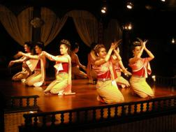 Typisch Thaise dansers � Simonne Troosters